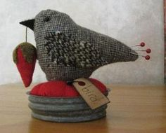 PRIMITIVE TWEED WOOL BIRD   PIN CUSHION ZINC CANNING JAR LID