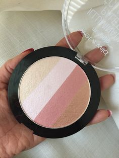 Wet and Wild's Mega Glo Illuminating Palette. Gives a beautiful glow to the skin.