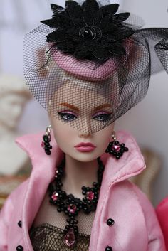 Barbie No, not Barbie but Poppy Parker by Integrity Toys. Not every fashion doll is a Barbie or put out by Mattel. Dress Barbie, Barbie Clothes, Barbie Costume, Barbie Barbie, Barbie House, Fashion Royalty Dolls, Fashion Dolls, Pretty Dolls, Beautiful Dolls