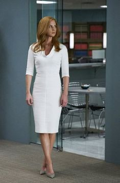Sarah Rafferty as Donna Paulsen, Suits Fashion Tv, Office Fashion, Suit Fashion, Work Fashion, Business Dresses, Business Outfits, Office Outfits, Business Fashion, Suits Series