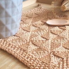 Diampoth potholder & hand towel pattern by Vörös Dóra Pattern Library, Pattern Books, Crochet Yarn, Knitting Yarn, Knitting Patterns Free, Free Knitting, Lang Yarns, Cascade Yarn, Paintbox Yarn