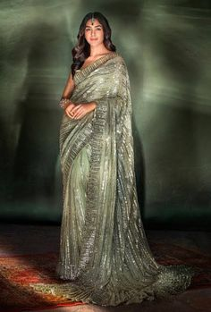 Indian Wedding Outfits, Indian Outfits, Indian Clothes, Bollywood Dress, Manish Malhotra, Satin Color, Indian Film Actress, Georgette Sarees, Indian Sarees