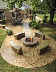 The #firepit and #outdoorkitchen in this @Remodeling Designs outdoor space won the company an award for Contractor of the Year for exterior specialty. #housetrends http://www.remodelingdesigns.com/