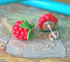 Fimo clay on silver plated ear studs. Available in my shop: [link] Raspberry Studs Cute Polymer Clay, Cute Clay, Fimo Clay, Polymer Clay Projects, Polymer Clay Charms, Polymer Clay Creations, Polymer Clay Earrings, Clay Crafts, Crea Fimo