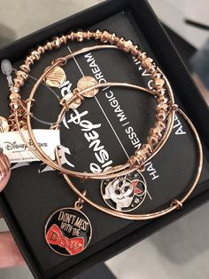 >>>Pandora Jewelry OFF! >>>Visit>> Rose Gold Minnie Mouse Bangles from Alex and Ani Cute Disney, Disney Style, Cute Jewelry, Jewelry Accessories, Jewelry Rings, Alex And Ani Disney, Disney Wishes, Disney Souvenirs, Alex And Ani Bracelets