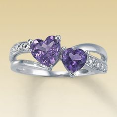 Want a Ring like this<3 Bella May's birthstone :)