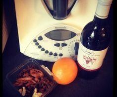Vin chaud alsacien de Noël Plus Alcoholic Cocktails, Thermomix Desserts, Alsace, Fabulous Foods, Milkshake, Cooking Timer, New Recipes, Smoothies, Food Porn