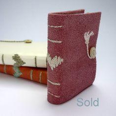 """Mini Notebook """"coração"""" - couro reciclado"""