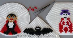 Perler Beads, Fuse Beads, Halloween Beads, Halloween Diy, Hama Beads Patterns, Beading Patterns, Bead Crafts, Diy And Crafts, Art Perle