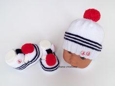 Bonnet bébé marin en laine layette tricoté main, blanc, bleu et son pompon  rouge c31db0f4903