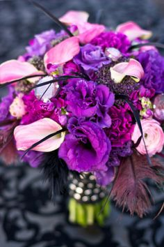 purple lianthus and pink calla lilies would look awsome in a vase at home! !