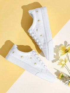 Shop Daisy Embroidered Lace-up Front Sneakers at ROMWE, discover more fashion styles online. Latest Sneakers, Sneakers For Sale, Fashion News, Fashion Shoes, White Platform Shoes, Shoes Photo, Clothing Photography, Chunky Sneakers, Embroidered Lace