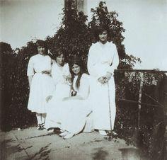 The Romanov sisters in 1914   #otma #romanov #olganikolaevna #tatiananikolaevna #marianikolaevna #history #anastasianikolaevna #vintage #royal #imperialrussia #russia #grandduchess by romanovsisters
