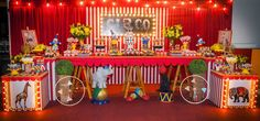 Uma fofura esta Festa Circo!!Decoração My Mimos Ateliê.Lindas ideias e muita inspiração!!Bjs, Fabíola Teles.Mais ideias lindas: My Mimos Ateliê.Contato: (022) 99749-9590Instagram:@ofic...
