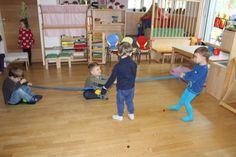 Nikolaus hat viel zu tun - Nikolaus, Kinder, Kind, Haus, Klingelingeling, Teil - Zellberger Zwergenhaus Advent, Basketball Court, Songs, Day Care, Games