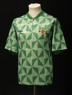 Northern Ireland home Football Fashion, Football Outfits, Football Uniforms, Football Jerseys, Northern Ireland Fc, Arsenal Shirt, Football Tops, Ireland Homes, Fashion Outfits