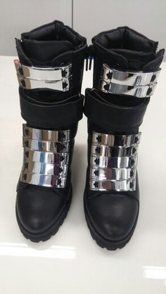 very easy to make your boots to like this. How? Check #xante.