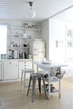 vintage refrigerator |Seda y Nacar