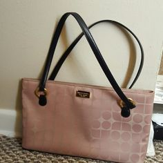 Kate Spade Shoulder bag Small purse used only a couple of times. Still good condition. Price can be negotiable kate spade Bags Shoulder Bags