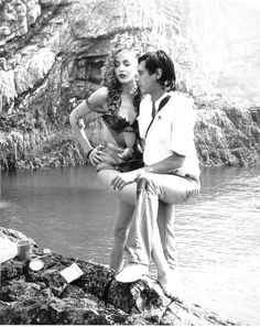 Bryan Ferry & Jerry Hall on the shoot for the Siren album cover in 1975. Love was in the air.