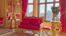 Crimson Drawing Room at Windsor Castle Windsor Palace, Windsor Castle, Window Curtain Designs, Window Curtains, Royal Room, Palace Interior, English Castles, Royal Residence, Classic Sofa
