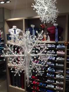 Nuove scenografie, nuove ambientazioni, per guidarvi con gusto ai vostri acquisti di Natale ... Sempre aperti ... VIA BOCCEA 202