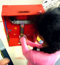 Alumna realizando dictado. Hair Dryer, Beauty, Dryer, Beauty Illustration