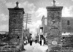 Florida Memory - Saint George Street through the city gates - Saint Augustine, Florida
