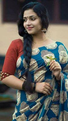 Anu sithara South Indian Actress, Beautiful Indian Actress, Beautiful Actresses, Beautiful Muslim Women, Beautiful Ladies, Glamour Photo, Beautiful Saree, Beautiful Braids, Thing 1