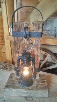 Farmhouse Lighting, Rustic Lighting, Cool Lighting, Farmhouse Decor, Rustic Lanterns, Rustic Lamps, Cool Tree Houses, Lantern Lamp, Led Licht