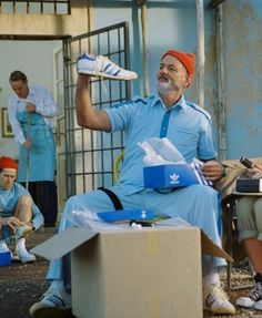 Wes Anderson - The Life Aquatic with Steve Zissou Really good movie with Bill Murray Wes Anderson Characters, Wes Anderson Movies, Wes Anderson Style, Beyond Wonderland, Poesia Visual, The Royal Tenenbaums, Grand Budapest Hotel, Bill Murray, Indie Movies