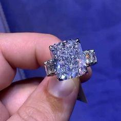 10K or Blanc 3.28 CT TW Tanzanite et Diamant-Violet