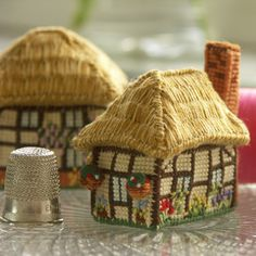 Cross-stitch embroidery kit_size: w 5 x d 3.7 x h 5 cm_Buttercup Cottage