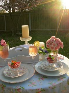 I love beautiful table settings like this one. Gorgeous!!!