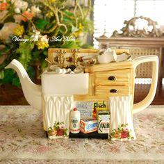 cardew Teapots And Cups, Teacups, Fancy Tea Cups, 3d Art, Teapot Design, Teapots Unique, Tea Pot Set, Ceramic Teapots, Mugs