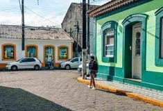 Cananéia SP - O que fazer, onde ficar e dicas em 2018 | Mundomio Street View, Dolphins, Voyage, Tips, Continents, Places, Centre