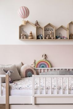 Over 22 scandinavian kids bedroom decor to inspire your next project including some product links to amazing decor finds. Bed Sets, Trendy Bedroom, Girls Bedroom, Bedroom Colors, Bedroom Decor, Design Jobs, Design Ideas, Scandinavian Kids, Scandinavian Interior