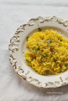 Riso basmati al curry Vegan Lunch Box, Food Porn, Vegetarian Recipes, Healthy Recipes, Oriental, Asian Recipes, Ethnic Recipes, Quinoa Rice, Love Eat