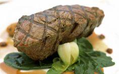 Μοσχαρίσιο φιλέτο στη σχάρα με σπανάκι Food Intolerance, Baked Potato, Pork, Potatoes, Beef, Baking, Ethnic Recipes, Kale Stir Fry, Meat