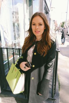 Tanya Burr one of my favourite you tubers love the coat she's wearing. Jim And Tanya, Beautiful People, Most Beautiful, Amazing People, Tanya Burr, Celebrity Beauty, Celebrity News, Classic Style, My Style