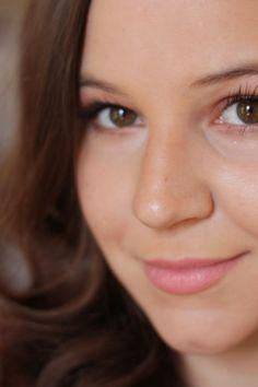 a flattering tale: review & giveaway: Younique 3D Fiber Lashes #beauty