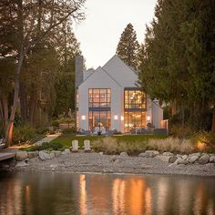 Where #beautiful #Architecture complements its #beautiful surroundings... by @stuarysilkarchitects. #Interiors by @amybakerdesign via my sweet friend @kateabtdesign.#architects #ModernFarmhouses #modernarchitecture #windows #lakehouse #waterfront #beachhouses #forest #inthedarkdarkwood #homes #Homedesign #homedeocr #interiordesign #interiorinspo #interiorgoals #goals #posts #blogs  #homeswithaview