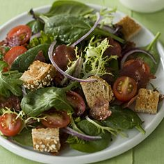 This #BLT salad puts a healthful spin on a classic sandwich. #dinner #recipe