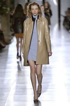 #LFW: 70'S IN SWING AT TOPSHOP Topshop Unique's fall range is a major throwback to the 1970's: http://www.couturesquemag.com/2015/02/lfw-70s-in-swig-at-topshop-unique.html