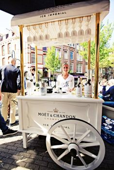 VOGUE Fashion's Night Out 2013 - and some champagne icecream to be had aswell!
