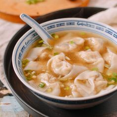 Mom's recipe for Chinese chicken wontons, packed with flavor. My mom and grandma taught me to make wontons before I could see over the kitchen counter. Chinese Cabbage, Chinese Chicken, Wonton Recipes, Wok Recipes, Chicken Recipes, Asian Recipes, Wan Tan, Recipe For Mom, Amigurumi