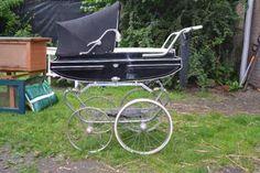 Vintage van Delft kinderwagen