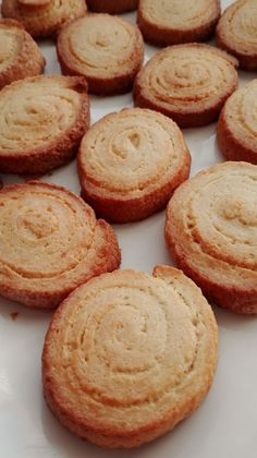 Galletas Philadelphia – DULCES FRIVOLIDADES Dessert Recipes, Desserts, Cookies, Food, Ideas, Salad, Shortbread Cookies, Flaky Pastry, Cooking Recipes