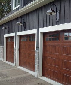 17 Husky Heavy Duty Cast Guard Honey Crackle Glass Photo Courtesy of Leesa Love Exterior Siding, Exterior Remodel, Exterior Design, Exterior Rendering, Wood Garage Doors, Garage Door Design, Garage Door Colors, Garage Cabinets, Garage Door Trim