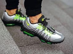 acheter basket Nike Air Max 95 Ultra SE OG Neon (3) Nike Air Max, Air Max 95, Sneakers Mode, Air Max Sneakers, Bape Sneakers, Shoes Sneakers, Mens Fashion Shoes, Sneakers Fashion, Cheap Fashion